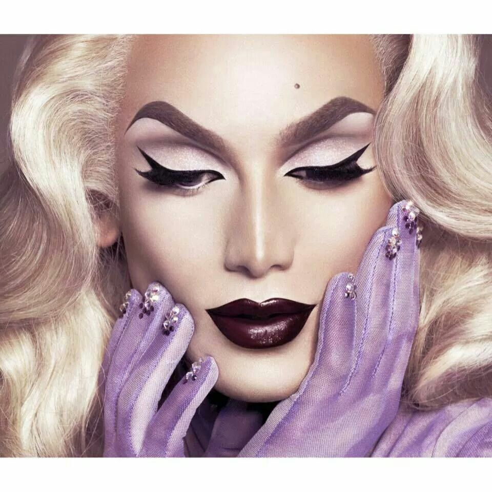 Pin on ★ Drag Queen