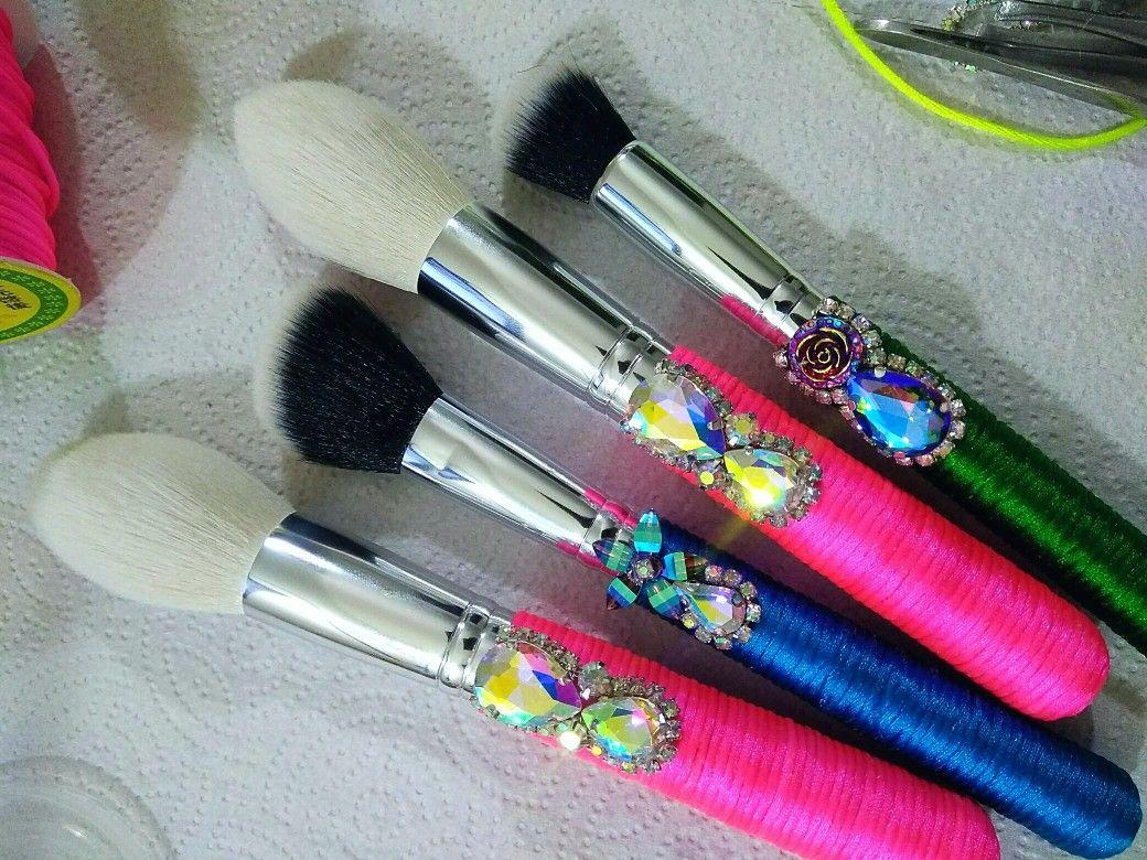 Today's SLAYAGE 😍 💎Handmade RATTAN Makeup Brushes💎 Pink
