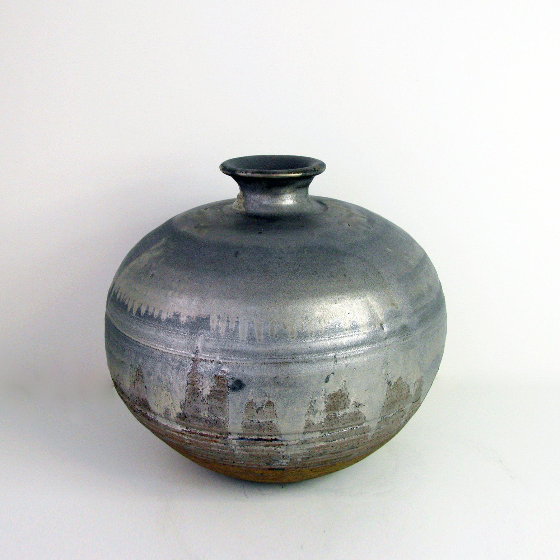 Virga Collection Vase II by Tatiana Hunter