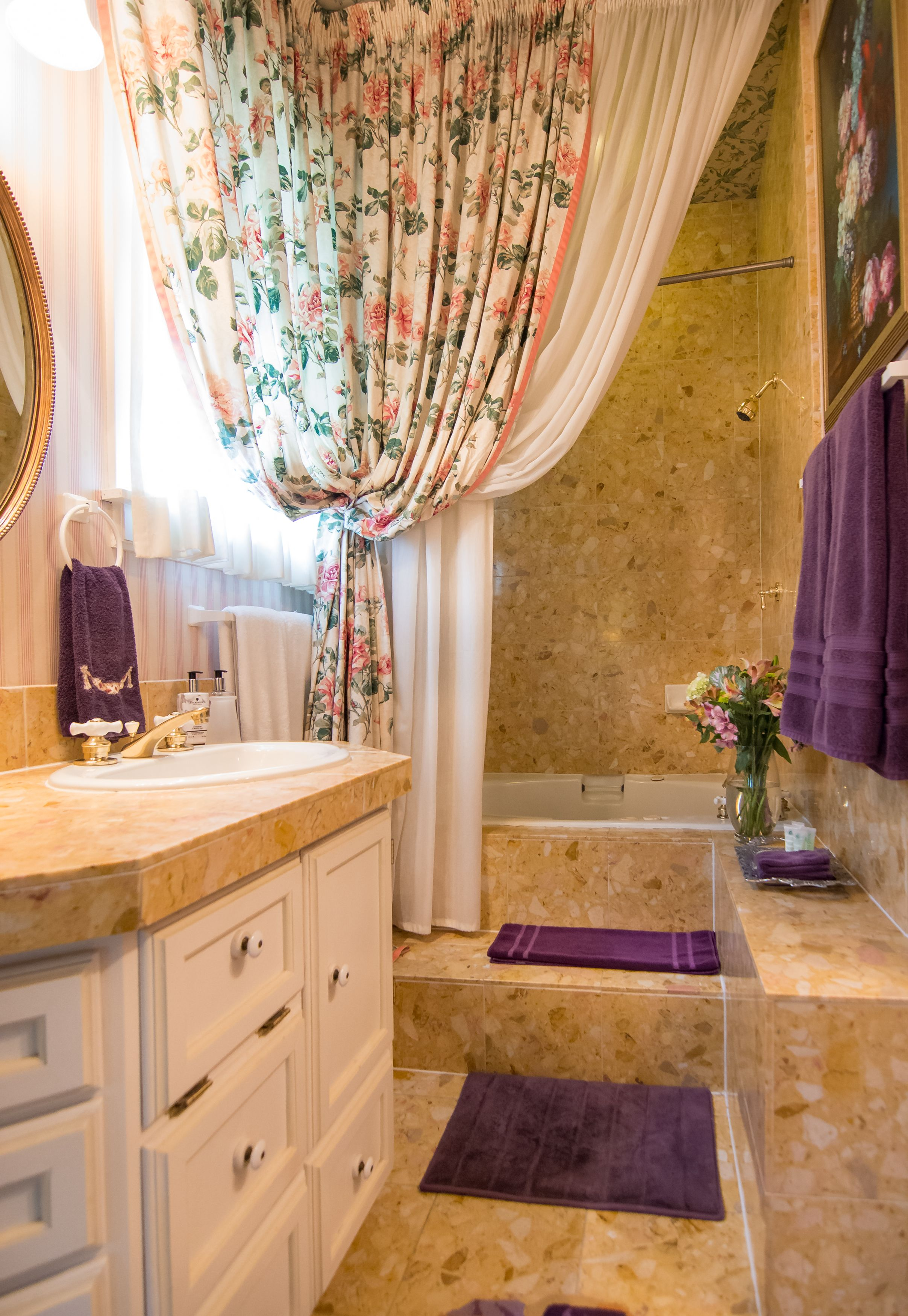 Jacuzzi Tub In Gothic Suite. | Home Decor at the Inn at Pearl Street ...