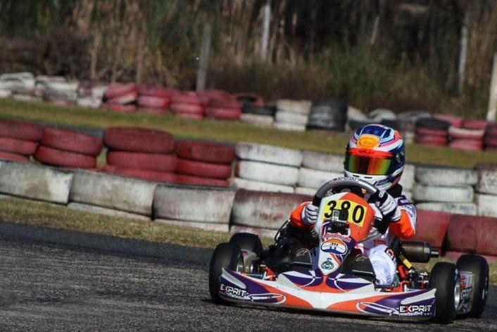 El piloto radatilense fue el poleman en la categoría Promocional, y estuvo cerca de ganar pero un despiste lo retrasó. Llegó cuarto a la bandera a cuadros y continúa tercero en el campeonato. La próxima fecha será el 25 y 26 de junio en el mismo escenario del fin de semana.