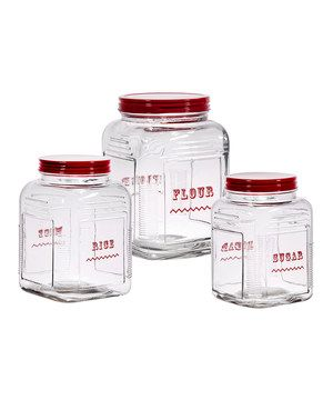 Made for storing dry goods, this attractive square-bottom glass canister set features a secure closure and a retro look that will complement all styles of countertop décor.