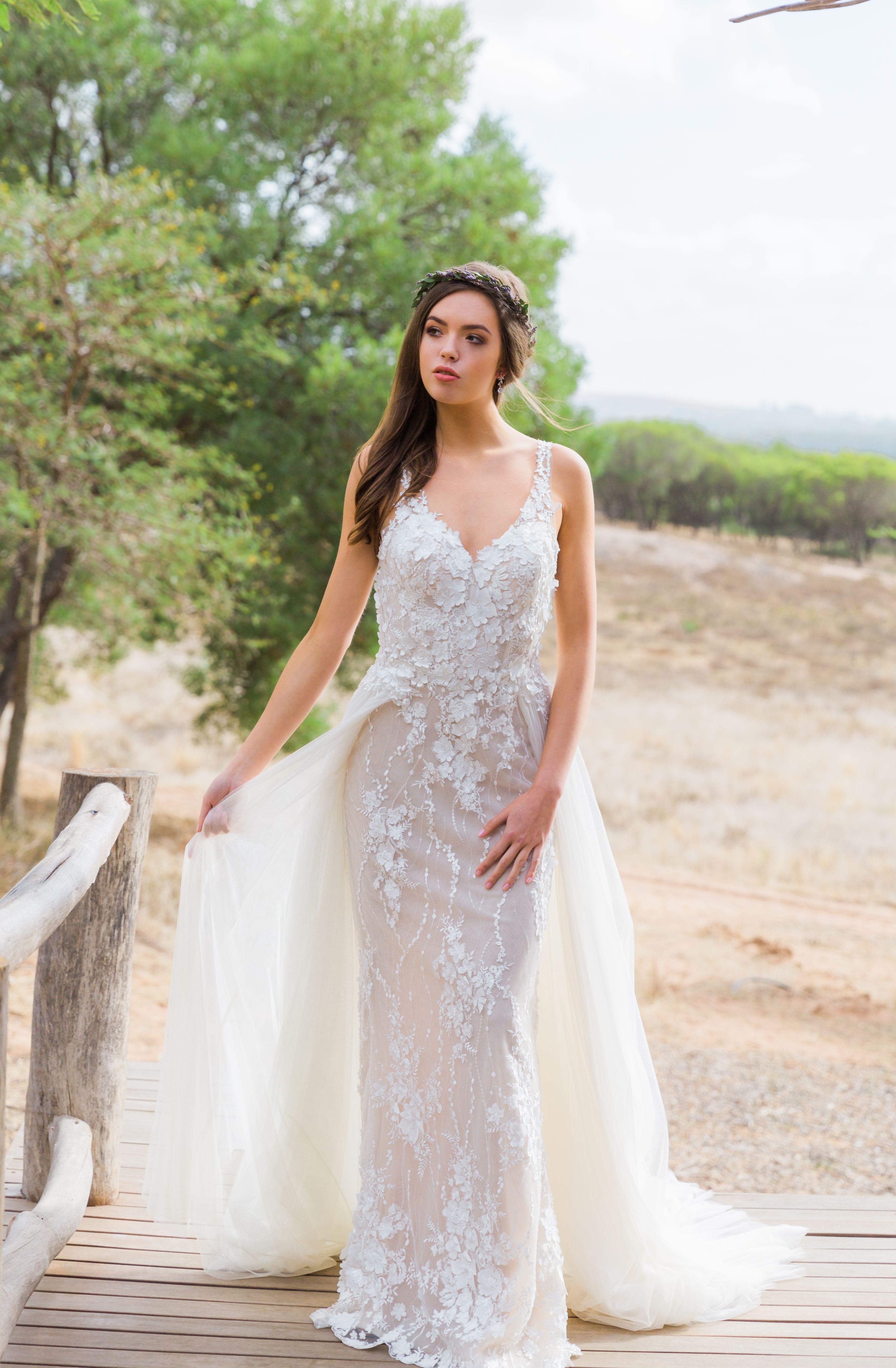 Extravagantes Boho Brautkleid im Fit´n´Flare Stil mit Tüll
