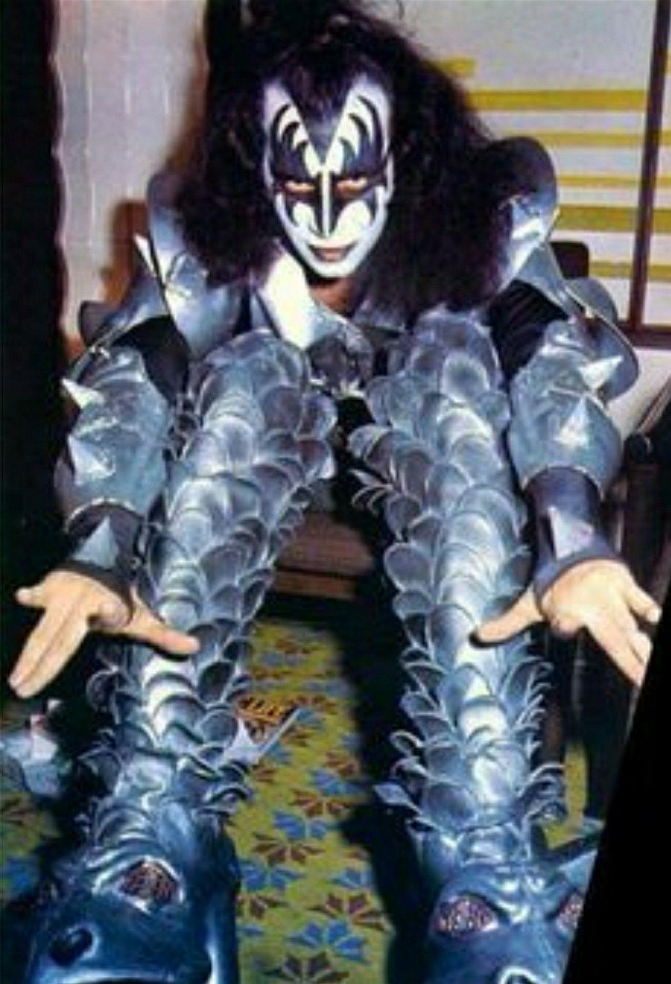 Pin By Zungarunguero On Kissteria Argentina Gene Simmons Kiss Gene Simmons Eric Carr