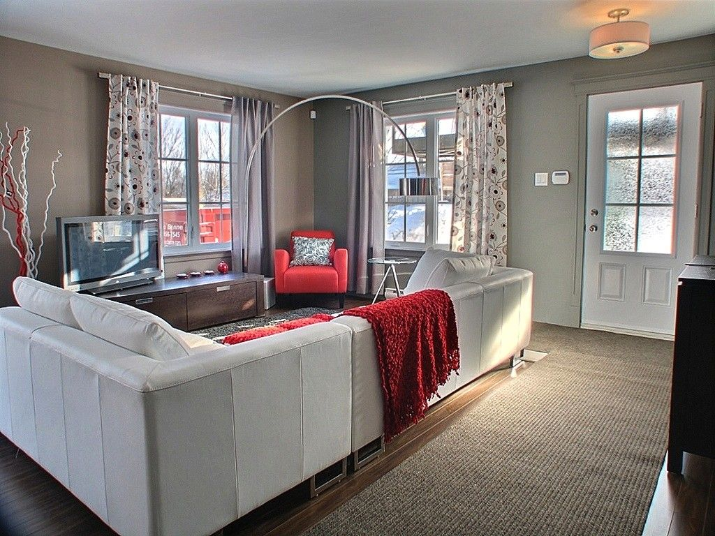 New condo in #beaumont QC - The lamp: yay or nay?