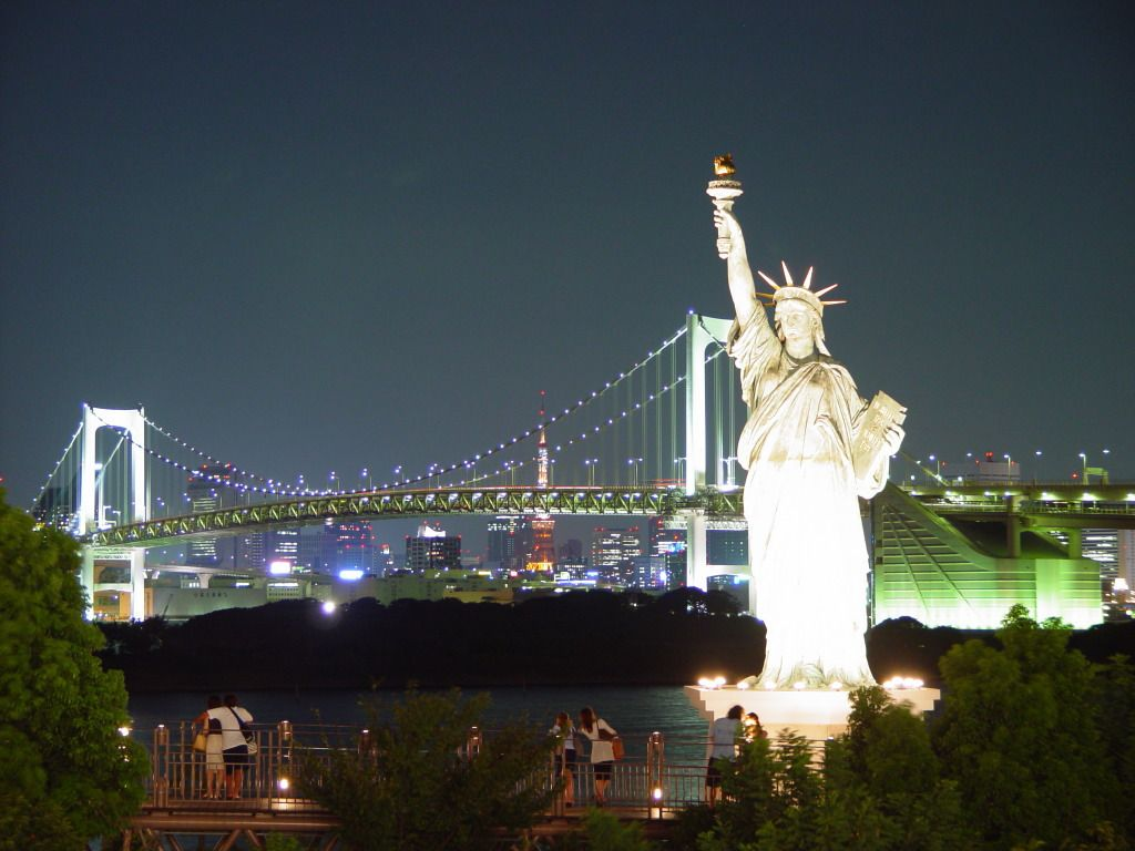 Top Ten New York City Tourist Attractions City Spaces And Liberty - Famous cities in usa