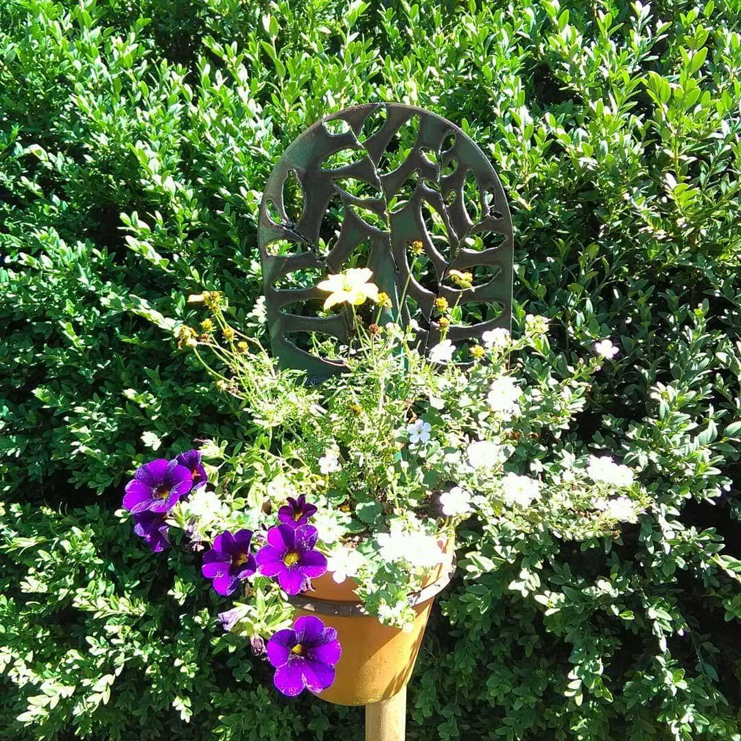 Fur Den Garten Spaten Blumentopfhalter Geht Naturlich Auch Fur Den Balkon Den Eingang Und Wo Man Es Sonst Mag Mit Einem Passenden Fuss Sogar Auf Festem Resim
