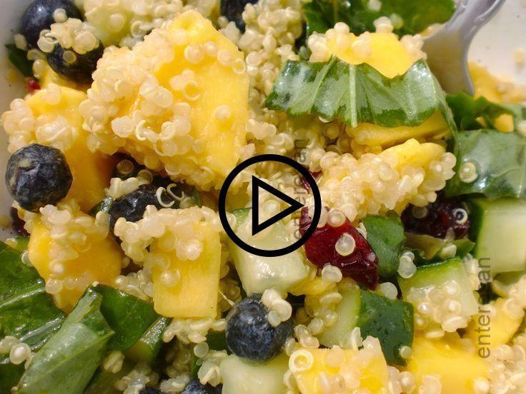 Blaubeer-Mango-Quinoa-Salat nach dem Rezept von Veggie Belly