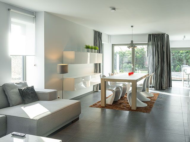 Moderne woonkamer u2022 strak design u2022 wit u2022 www.thuisbest.be # livios