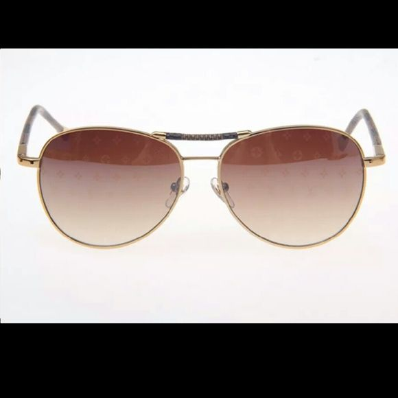 c870ff2306 Louis Vuitton Conspiration Pilote Sunglasses  375 on MERC This listing is  for a Brand New Genuine