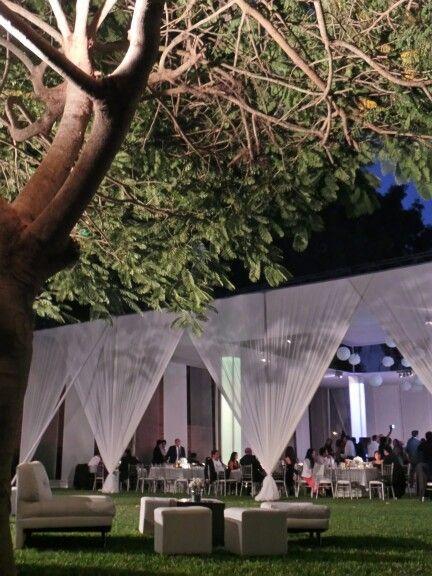 Bodas de noche en el campo reception ideas pinterest for Decoracion fiesta jardin noche