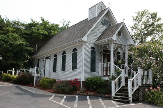 Heart Of Gold Wedding Chapel Gatlinburg TN Is A Charming Little Victorian Style Specializing In Private Intimate Weddings