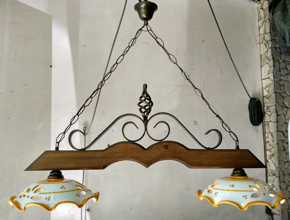Lampadario in ferro battuto e legno mod.bilanciere country rustico