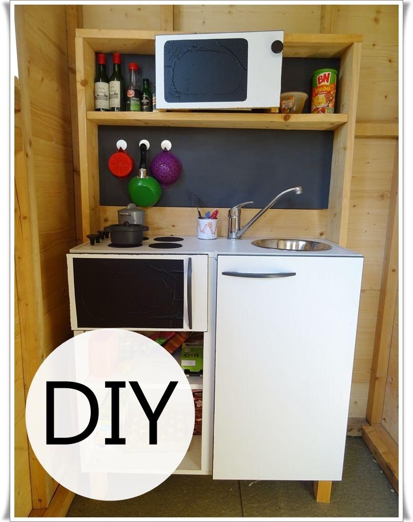 une mini cuisine jouet diy curieusement bien inspiration mini cuisine jouet pinterest. Black Bedroom Furniture Sets. Home Design Ideas
