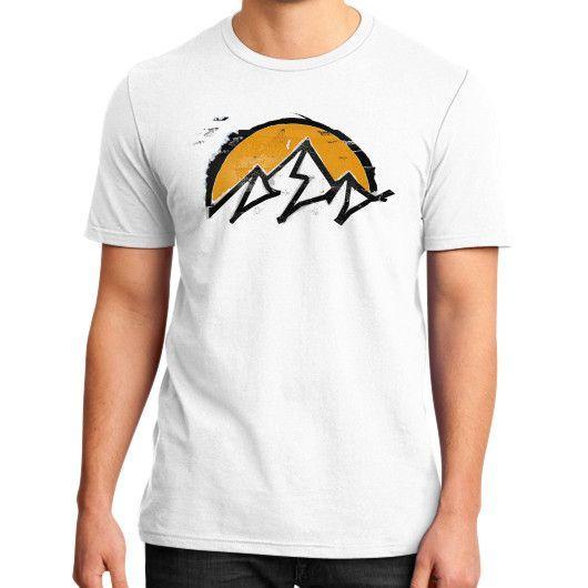 Mountain sun District T-Shirt (on man)