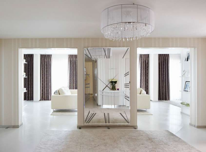 Arredare un ingresso con gli specchi