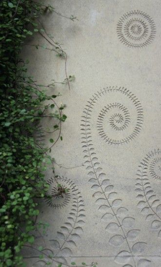 Paris In London Neisha Crosland S Garden Oasis Gardenista Garden Oasis Outdoor Wall Art Cement Garden