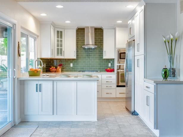 Best A Peninsula Adjacent To The Patio Doors Makes This Kitchen 400 x 300