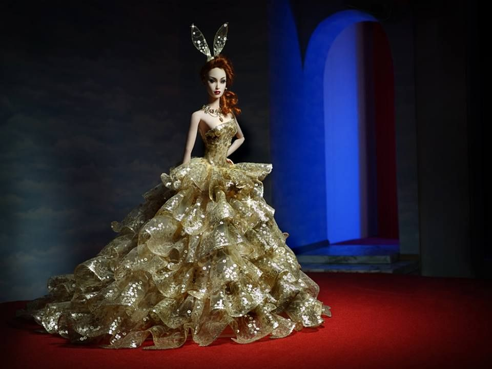 To celebrate Venus birthday Superdoll London created a collection of fashions in a very limited edition.  This gown is called Pompeii in a limited edition of 5.