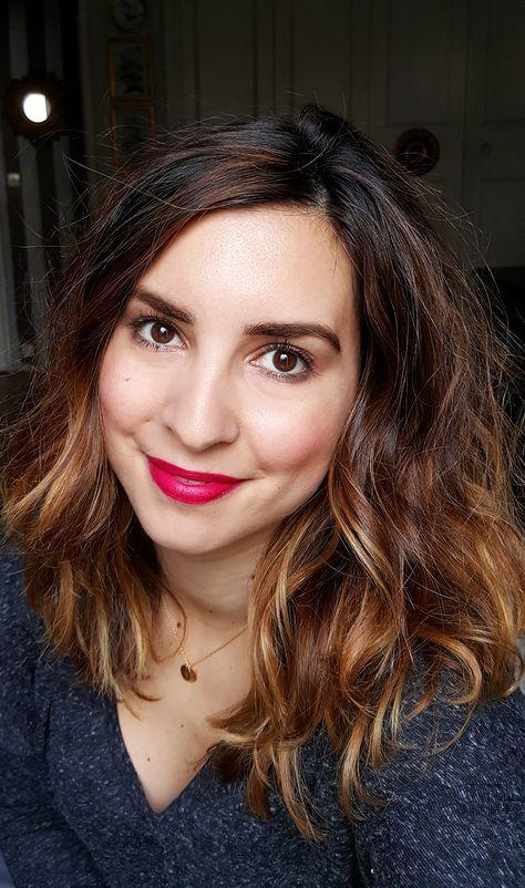 7 Things #61 (avec images) | Coiffure mi long brune, Coiffure, Cheveux bruns bouclés
