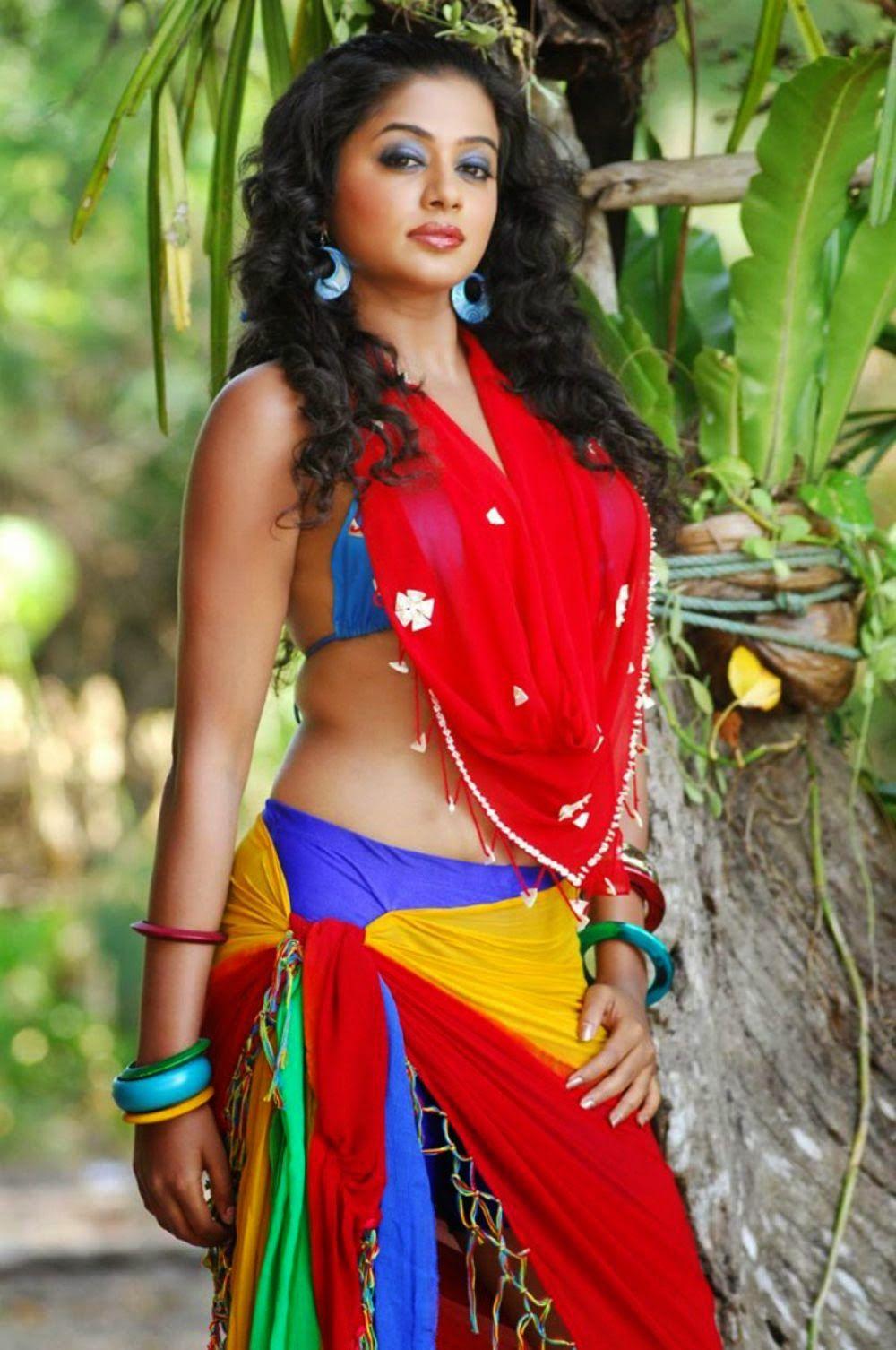 Latest Priyamani Hd Hot Photos Mallu Actress Priyamani Sensational Photo Collection Priyamani Shows Her Big Boobs In Bikini Priyamani Sexy Navel Photos
