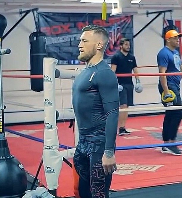 6 638 Likes 22 Comments Conor Mcgregor Thenotorioustime On Instagram This Is The Mac Life The Mcgregor Feed Thenotorious Conor Mcgregor Mcgregor Ufc