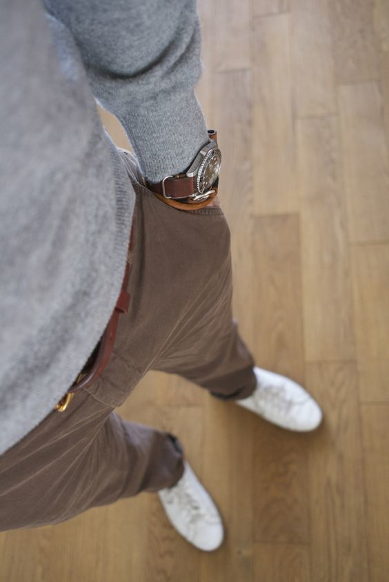 Look casual chic avec un pull gris chiné #look #homme #men #mode #fashion #fashionformen