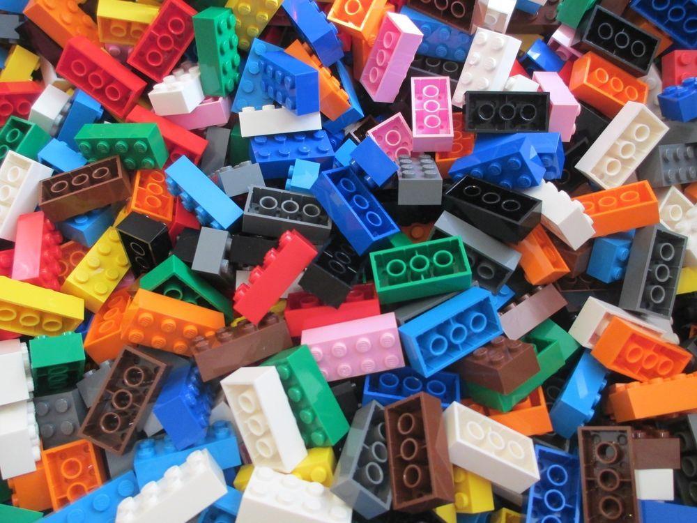 100 WHITE 2x4 pin LEGO Bricks