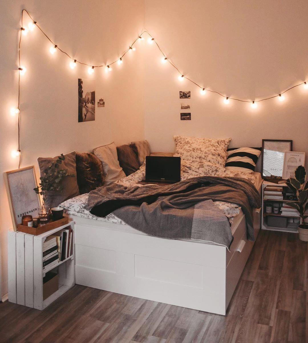 Provenance De La Photo Instagram Mybedroomgoals Interiordesign Interiors Insp En 2020 Idee Deco Chambre Moderne Decoration Chambre Cocooning Deco Petite Chambre