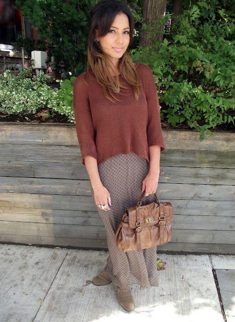 skirt, sweatuh,boots