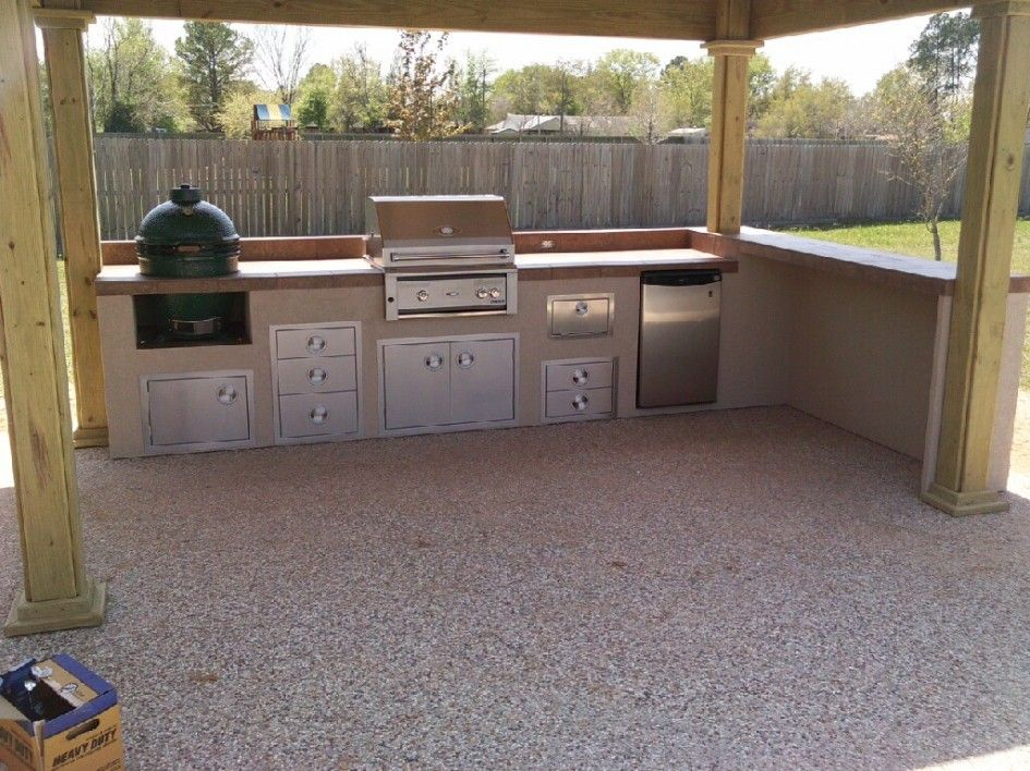 Amazing Outdoor Kitchen Island Big Green Egg With Under Counter Kitchenaid Refrigerator And Cabinet Cup Pull