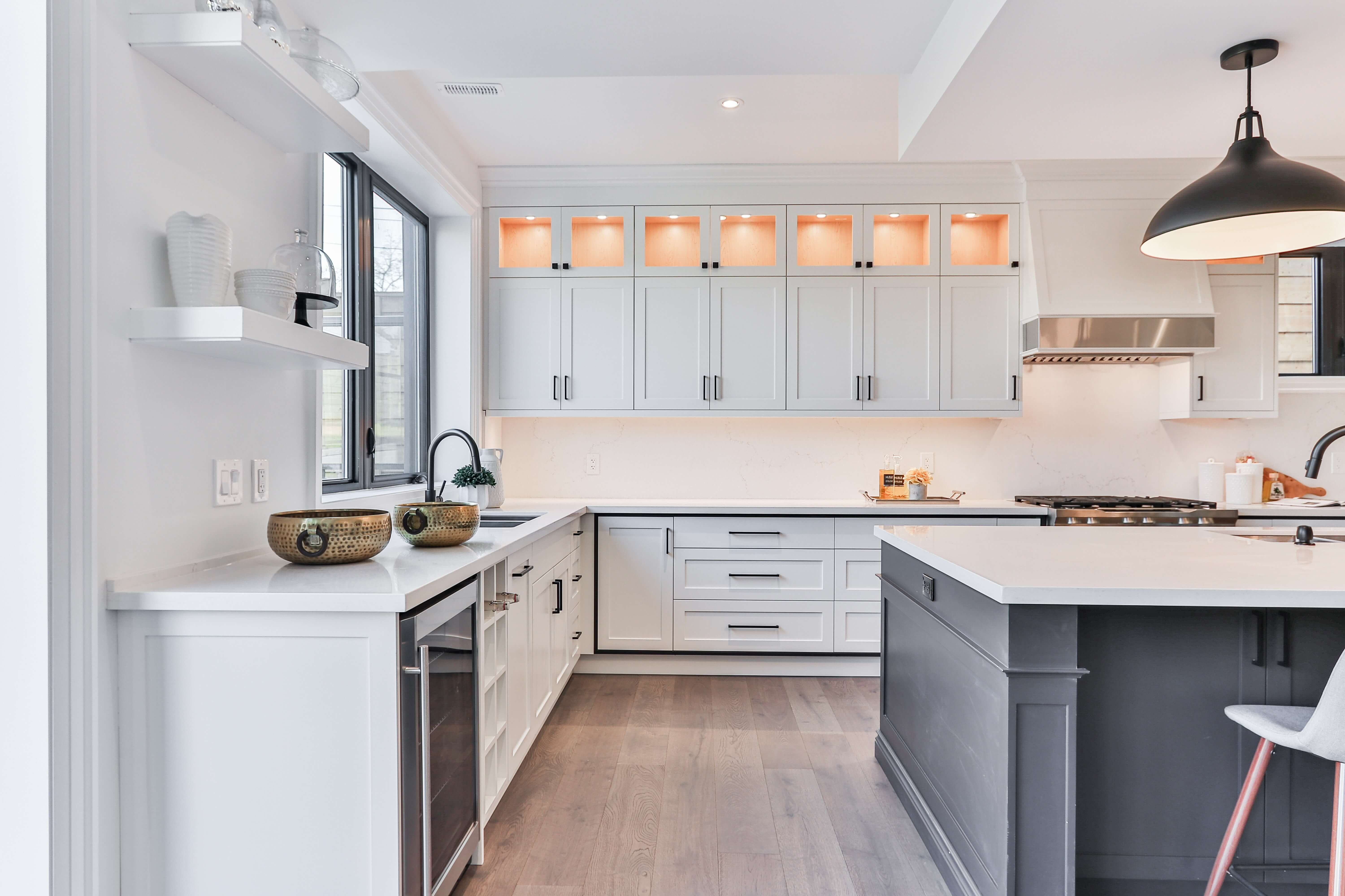 People Want To Be In A Clean And Beautiful Environment Wherever They Are Including Y In 2020 Kitchen Cabinets And Countertops Kitchen Design Beautiful Kitchen Designs