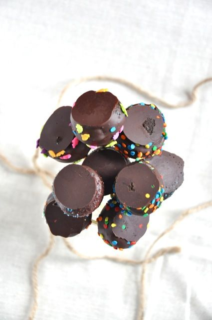 vegan black bean brOwnie pOps