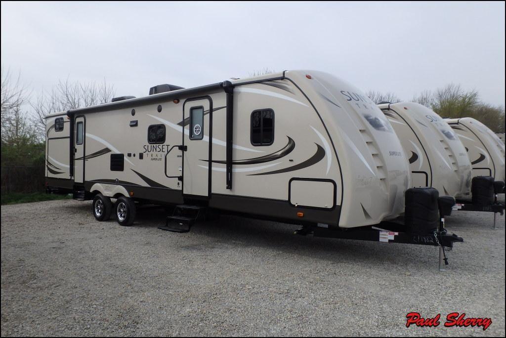2017 Crossroads Sunset Trail 330BH travel trailer bunk