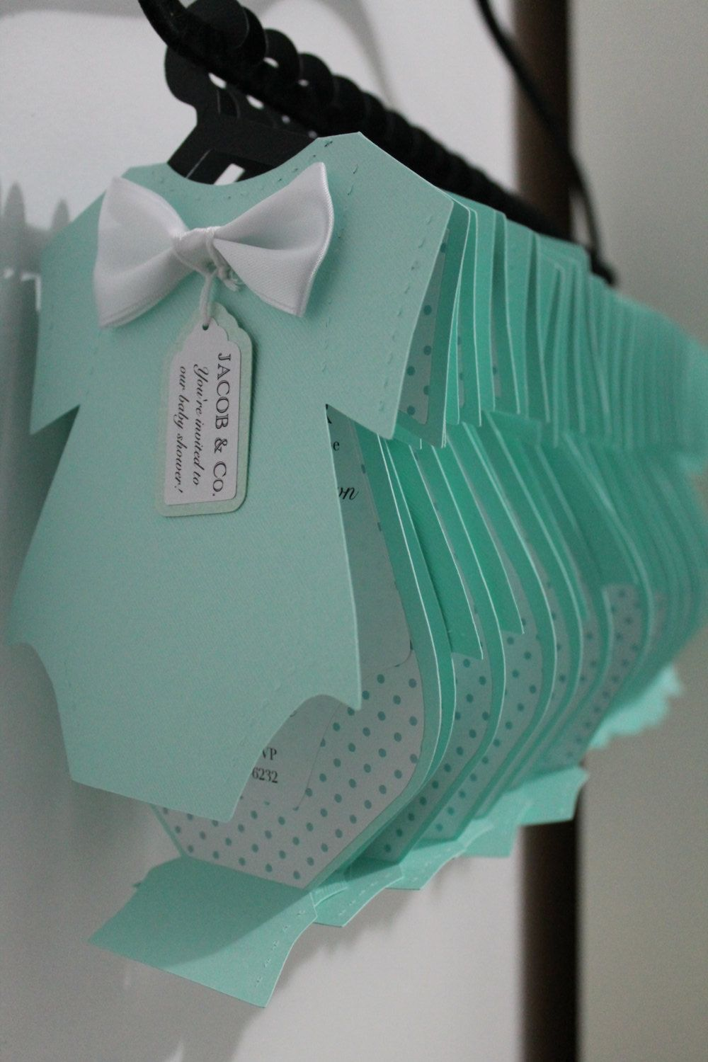 8 Piece Onesie Invitation Complete With Hanger And Tags