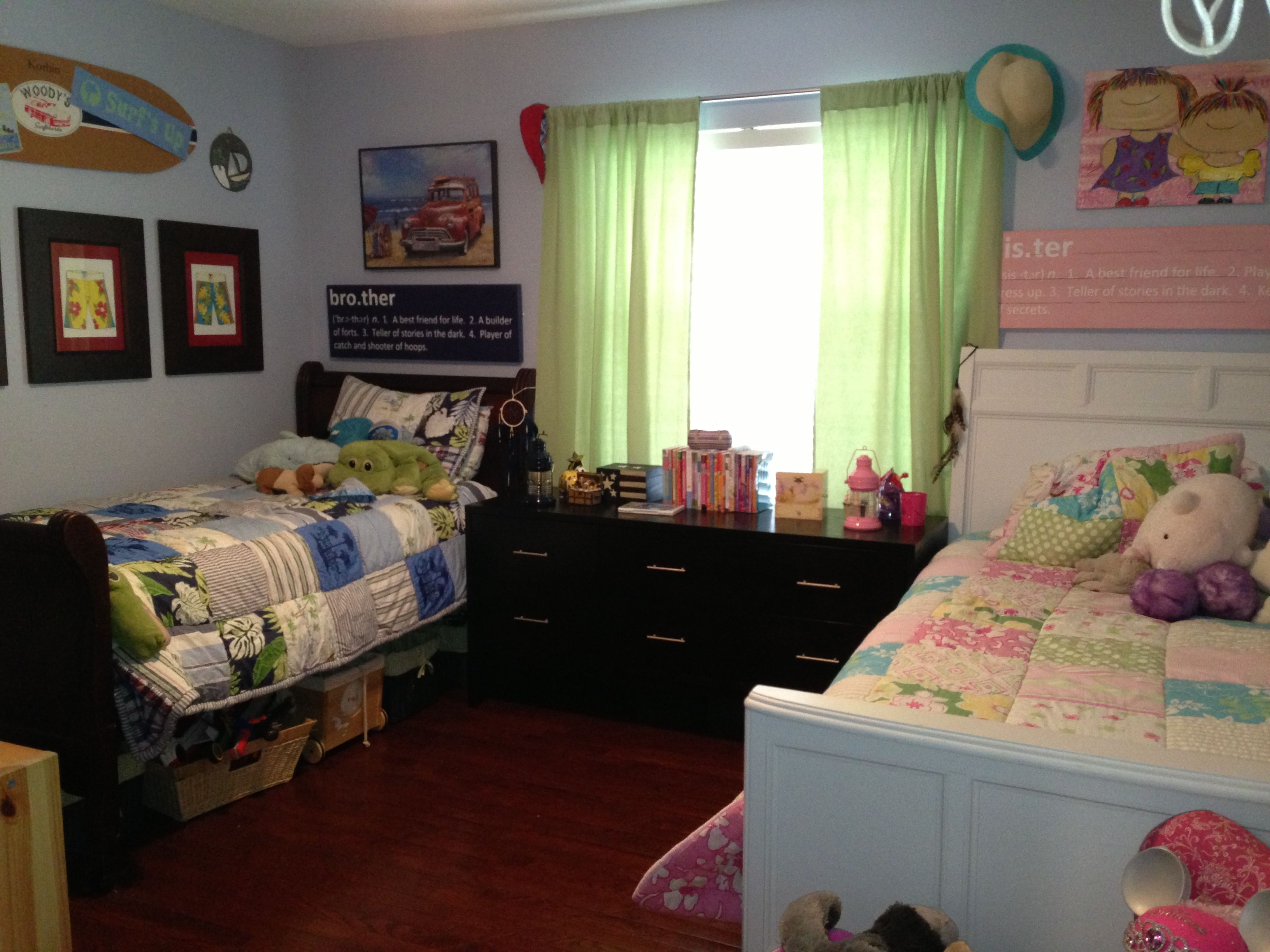 Pin By Kim Baker Gowanloch On 2 Peas In A Pod Boy And Girl Shared Room Kids Rooms Shared Boy And Girl Shared Bedroom
