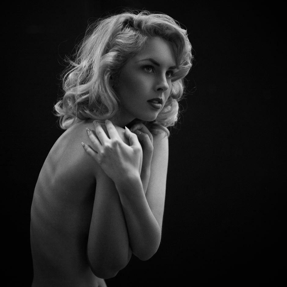 Paparazzi Pictures Nicole Melrose naked photo 2017