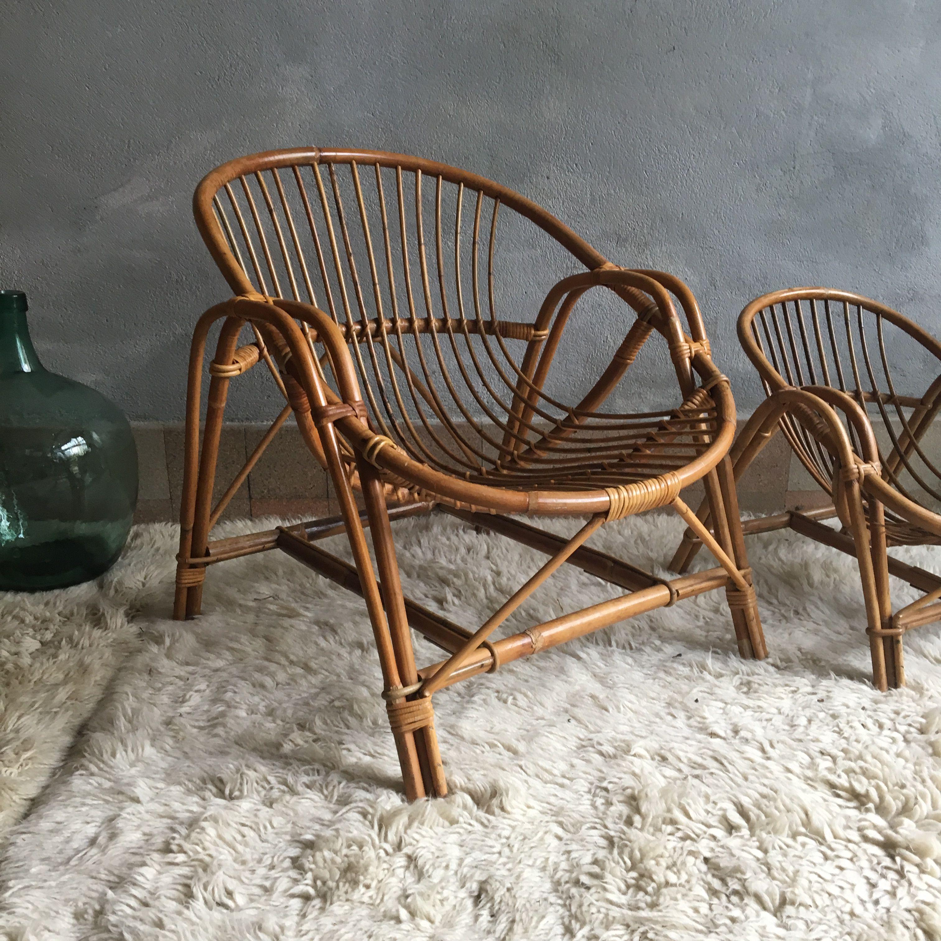 Epingle Par Gisella Lynn Sur Latest Finds From E Store La Petite Brocante Net Meuble Vintage Mobilier De Salon Fauteuil Rotin