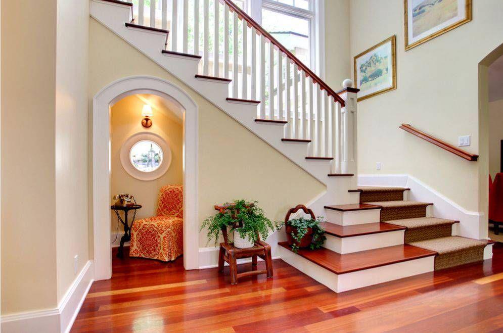 Aprovecha el espacio de debajo las escaleras cama for Decoracion debajo escaleras