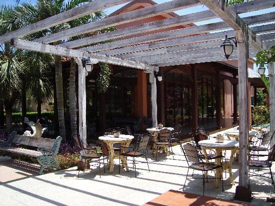 Sol Cayo Santa Maria Patio Bar Cayo santa maria, Patio