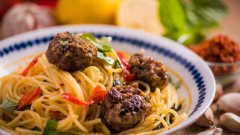 Spaghetti meatball krapao asian food channel chef recipes spaghetti meatball krapao asian food channel forumfinder Choice Image