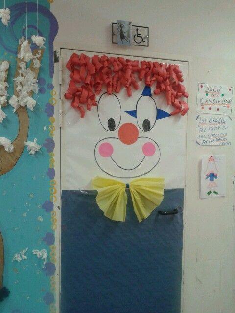 Decoraci n puerta carnaval puertas del aula ideas para for Decoracion puerta aula infantil