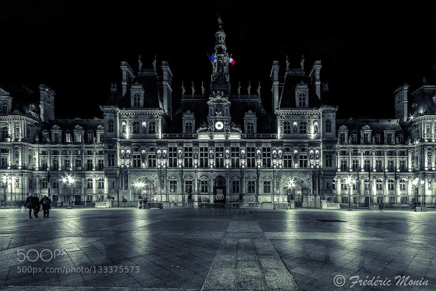 Hôtel de ville de Paris - Pinned by Mak Khalaf Hôtel de ville de Paris Black and White Edifice remarquableHôtel de ville de ParisMonumentPARISPalais et bâtiments officielsPaysage urbainPlacePlace de l'Hôtel-de-VilleRuesVoiescapitale by fredericmonin24