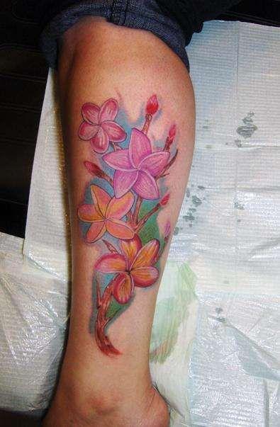 Side Hawaiian Flower Tattoos: Flower Leg Tattoo Designs Hawaii