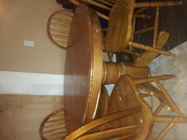 Solid Oak Table chairs and leaf