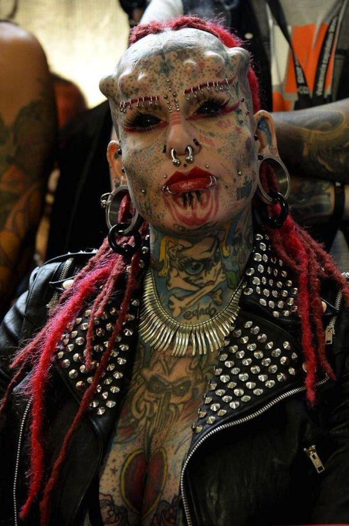 Ce tr s trange salon tattoo a voir faire lire - Salon du tattoo nice ...