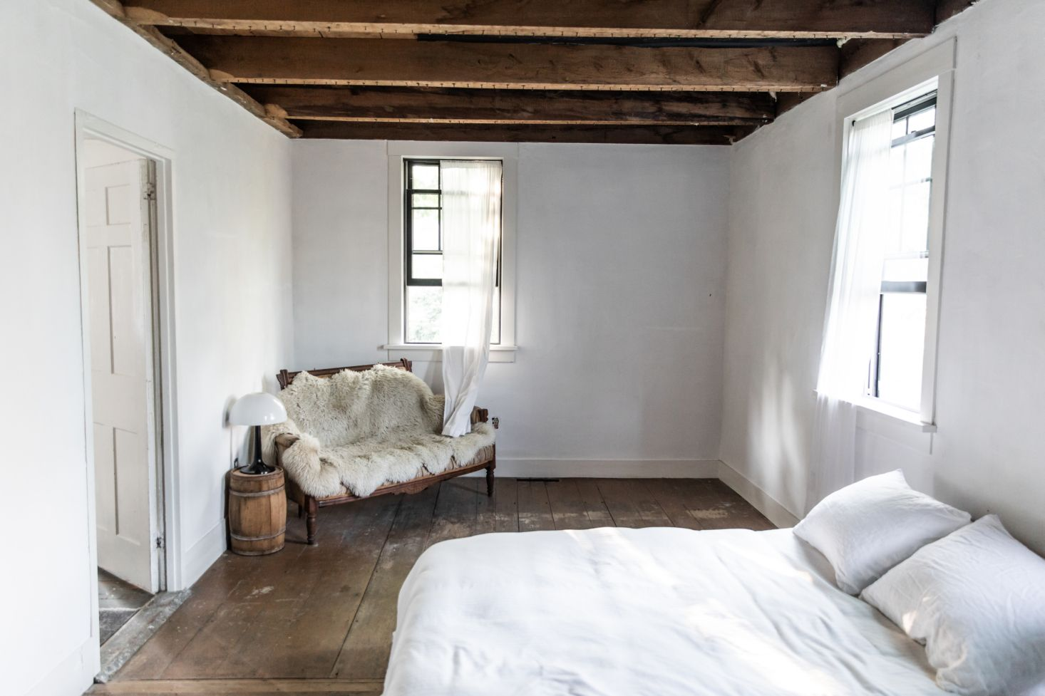 The House That Craigslist Built A Bare Bones Farmhouse In Midcoast Maine Remodelista Remodel Bedroom Home Home Decor