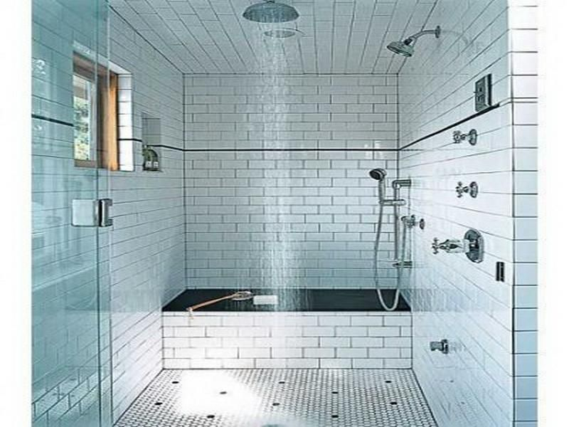 Small Bathroom Ideas: Black and white small bathroom with vintage ...