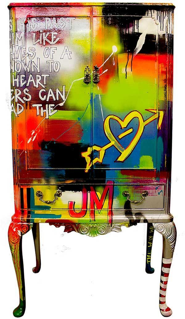 I 39 m a mess cabinet jimmie martin mobili dipinti in for Mobili colorati design