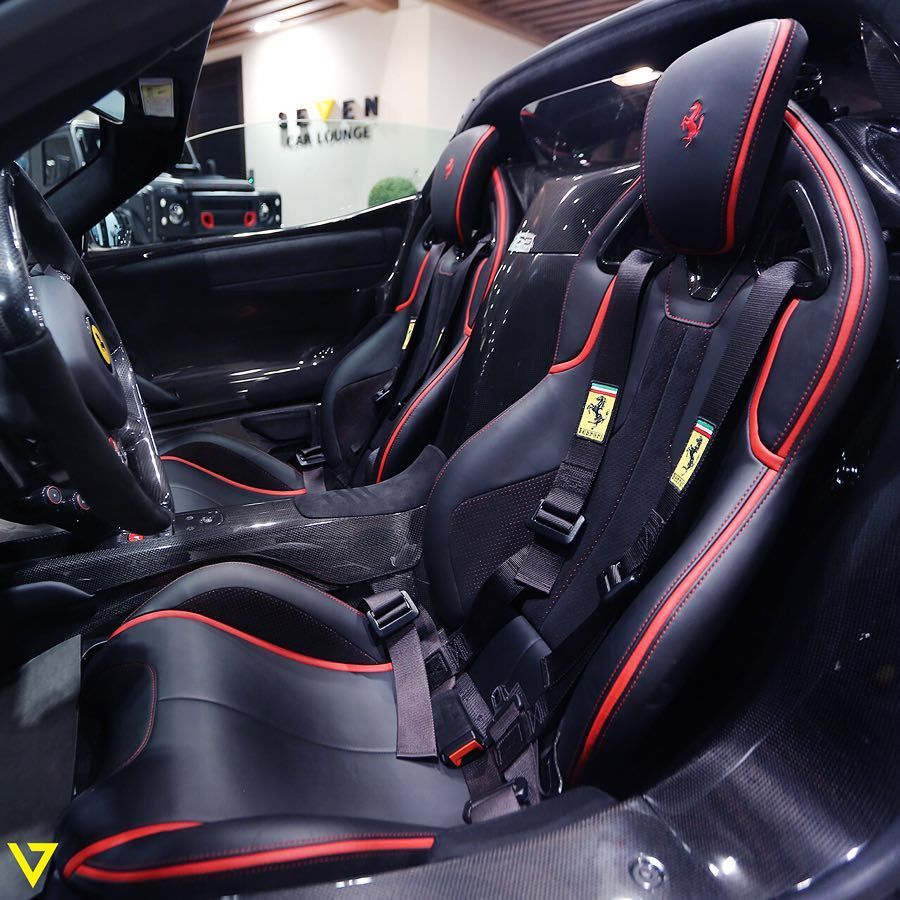 The Beautiful Interior Of The Laferrari Aperta الداخلية الجميلة